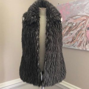 Willow & Clay Faux Fur Vest size Med
